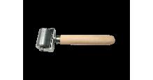 Вспомогательный инструмент для монтажа кровли, сайдинга, забора Валик прикаточный